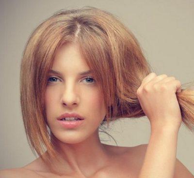 Що означає випадання волосся у сні