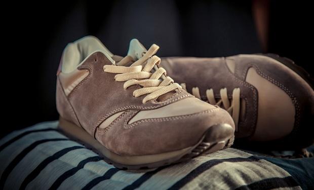 Як прати і сушити замшеві кросівки в пральній машині - iLady 687e38c748a5f