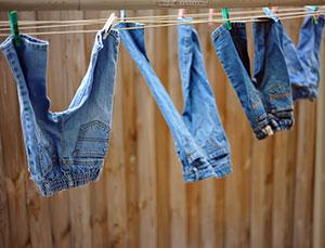 Як випрати джинси