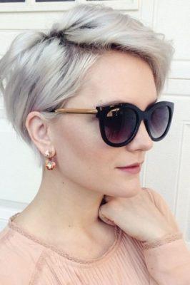 Модний попелясто-русявий колір волосся